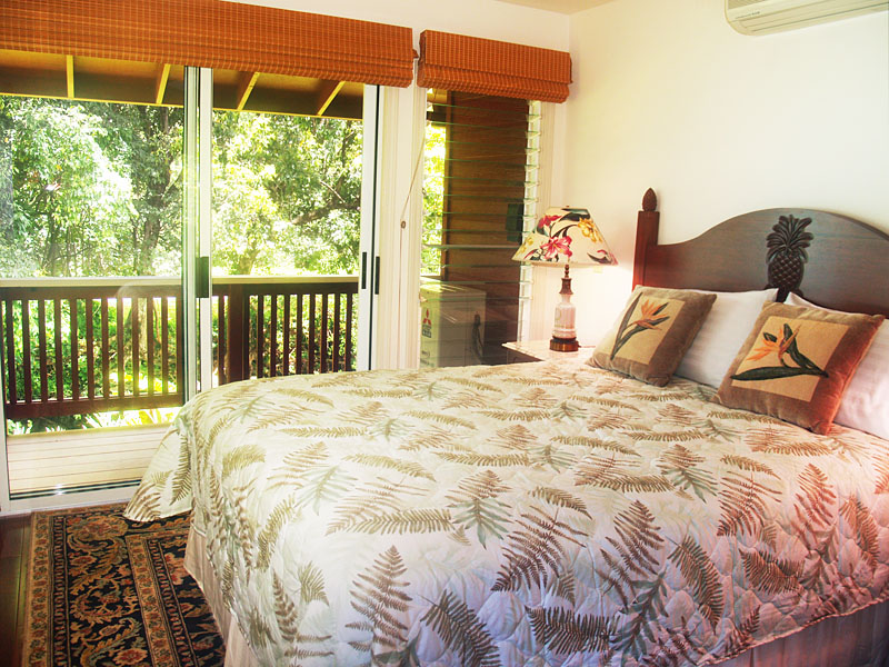 Second bedroom overlooks the river.
