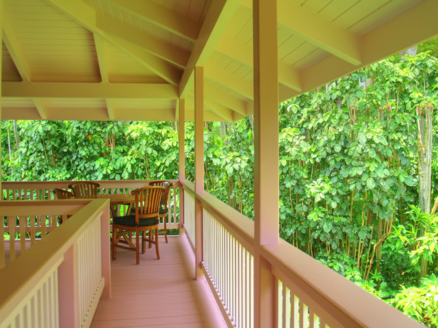 Enjoy your meals or relax on front lanai overlooking the river.